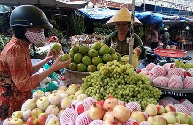 Lật tẩy các mánh khóe đổi quốc tịch hoa quả xuất xứ Trung Quốc thành hàng xịn - Ảnh 1.