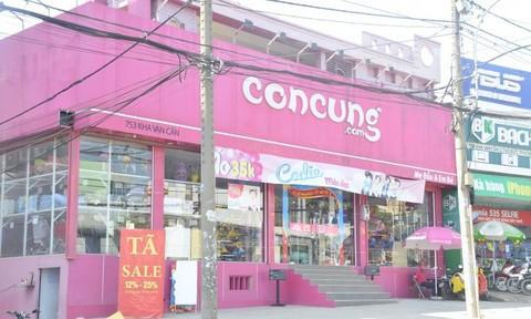Vây bắt đối tượng đột nhập cửa hàng Con Cưng trộm két sắt ở Sài Gòn - Ảnh 1.