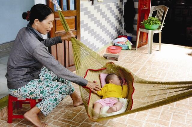 Cha mẹ lưu ý: Ru con ngủ không đúng cách có thể khiến trẻ phải đối mặt với nguy hiểm này - Ảnh 1.