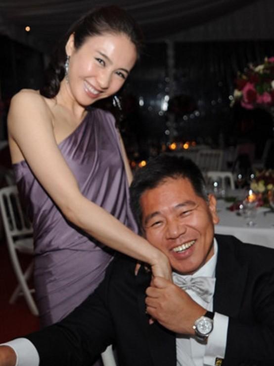 """Bỏ sự nghiệp cưới chồng già, Lê Tư từng khiến công chúng tiếc nuối nhưng giờ thành bà hoàng, """"ăn đứt"""" Hoa đán TVB cùng thời - Ảnh 5."""