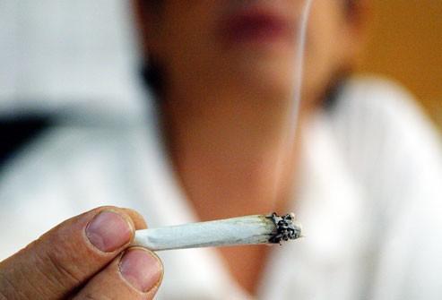 Quan niệm sai lầm về những nguy cơ dẫn tới ung thư phổi - Ảnh 3.