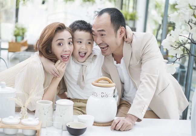 Tiến Luật: Tôi làm Thu Trang khóc nhiều lần, vợ mua cho đồng hồ 55 triệu tôi cũng quăng mất vì ham vui  - Ảnh 9.