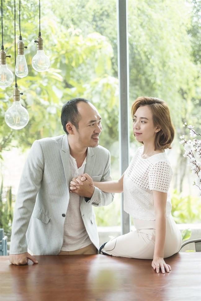 Tiến Luật: Tôi làm Thu Trang khóc nhiều lần, vợ mua cho đồng hồ 55 triệu tôi cũng quăng mất vì ham vui  - Ảnh 1.
