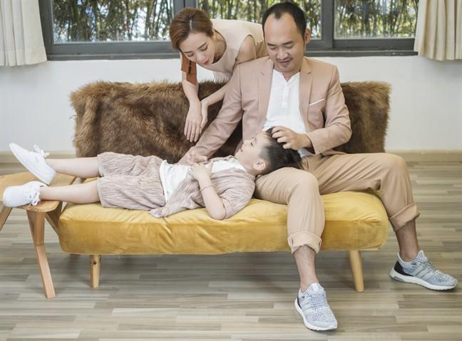 Tiến Luật: Tôi làm Thu Trang khóc nhiều lần, vợ mua cho đồng hồ 55 triệu tôi cũng quăng mất vì ham vui  - Ảnh 13.