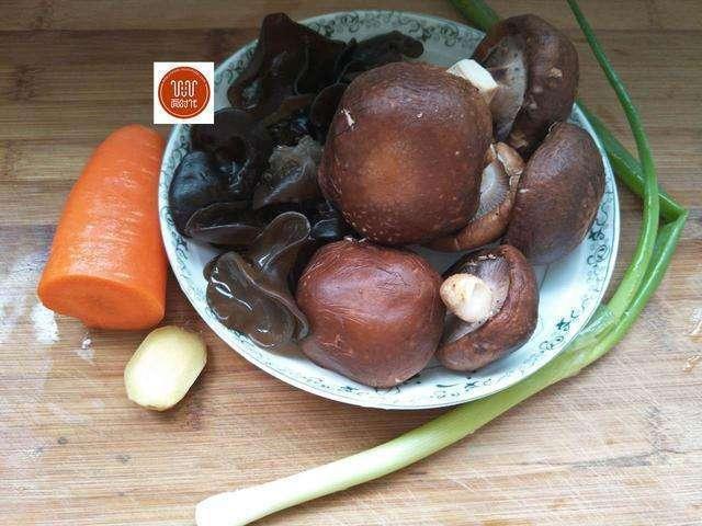 Món ăn làm sạch mạch máu, thông đường ruột nổi tiếng Đông y chỉ với 3 thực phẩm bình dân - Ảnh 3.