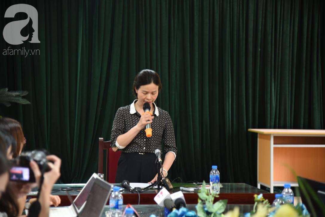 Vụ thầy dạy Toán nghi dâm ô học sinh nam ở Hà Nội: Tạm đình chỉ 3 ngày, công an cách ly những người liên quan - Ảnh 2.