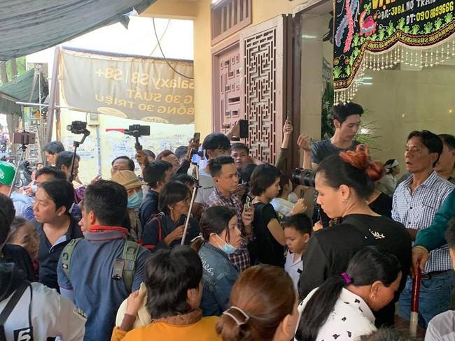 NSƯT Kim Xuân chia sẻ câu chuyện ấm lòng về những người dân chân chất dành tình cảm thực sự đến Anh Vũ - Ảnh 3.