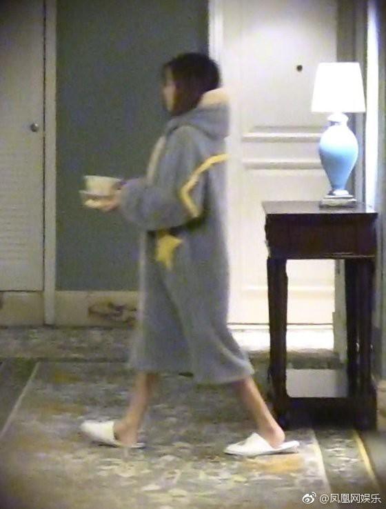 Drama ngoại tình hot nhất Cbiz: Không có bà cả, tiểu tam mặc sẵn đồ ngủ chờ sao nam Hoa Thiên Cốt quay phim về - Ảnh 6.