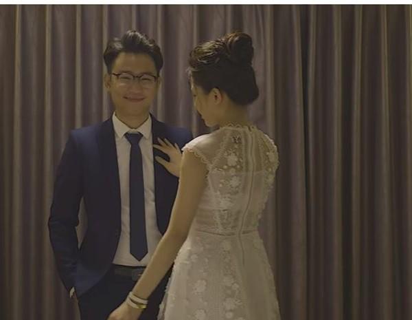 Hot girl Trâm Anh hôn môi, đè ngửa bạn diễn nam ra giường trong bộ phim này - Ảnh 5.