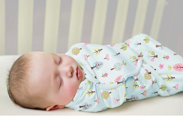 Muốn bé sơ sinh ngủ ngoan, mẹ cứ làm theo 7 cách này, đảm bảo bé sẽ ngủ tít y như hồi còn trong bụng mẹ - Ảnh 3.