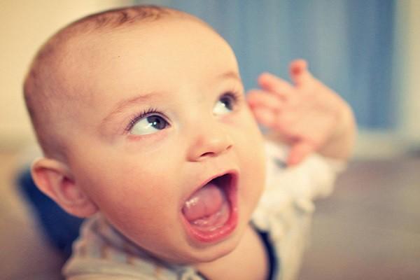 Những giai đoạn tập nói của trẻ và cách phát hiện sớm để giảm nguy cơ trẻ chậm nói các mẹ nên lưu ý nhé - Ảnh 4.