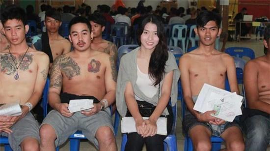 Những người đẹp chuyển giới ở kì khám nghĩa vụ quân sự Thái Lan: Đến con gái còn phải trầm trồ! - Ảnh 4.