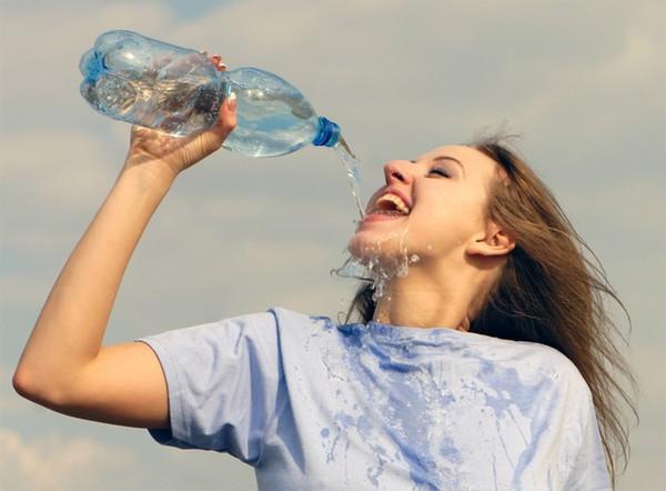 Từ chuyện cô gái 20 tuổi bị ngộ độc nước, xem lại những lưu ý khi uống nước mà bất kì ai cũng phải biết - Ảnh 3.