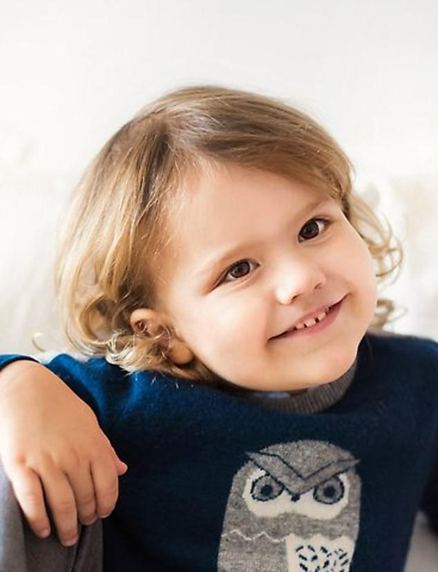 Không chỉ Hoàng gia Anh, thế giới còn có một vị hoàng tử bé vô cùng đáng yêu và lí lắc vừa mới đón sinh nhật tròn 3 tuổi - Ảnh 1.