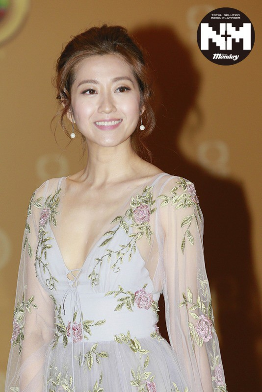 Trần Tự Dao: Mỹ nhân TVB từng bị chỉ trích vì lối sống phóng khoáng nhưng lại khiến khán giả thương xót vì chịu đựng chồng ăn vụng nhiều năm - Ảnh 2.