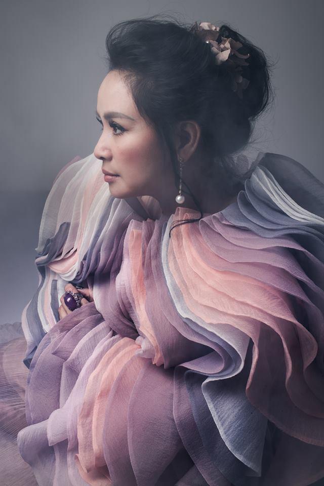Đường hôn nhân của 4 Diva Việt: Người xấu lạ thì yên ổn với cuộc hôn nhân duy nhất, người hồng nhan thì lận đận truân chuyên để tuổi 50 vẫn cô đơn - Ảnh 3.