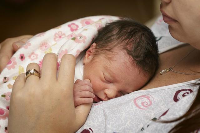 Chăm sóc trẻ sinh non và một loạt những điều cha mẹ cần chú ý đến - Ảnh 2.