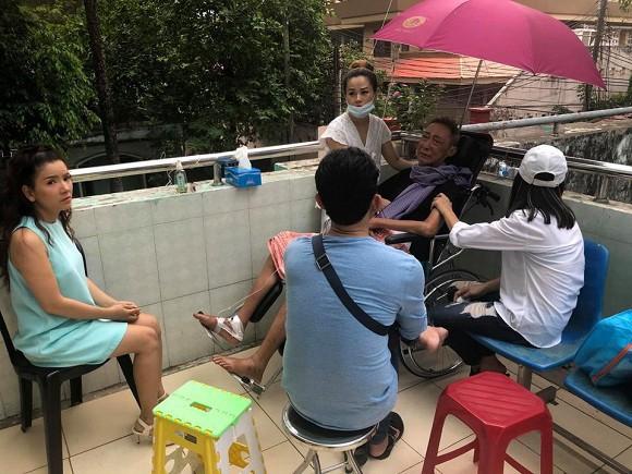 Xót xa trước thông tin nghệ sĩ Lê Bình không còn ăn uống được gì, con gái thay mặt gia đình từ chối nhận tiền hỗ trợ - Ảnh 3.