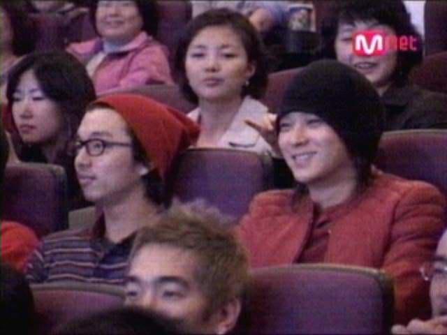 Mối quan hệ họ hàng ít ai biết giữa Kang Dong Won và Gong Yoo khiến công chúng chỉ có thể thốt lên: Nhà gì mà đẹp đều thế này? - Ảnh 2.