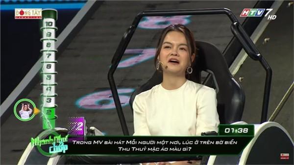 Hari Won tiết lộ cực sốc về cuộc hôn nhân với Trấn Thành: Ở nhà luôn gọi chồng là chị!  - Ảnh 1.