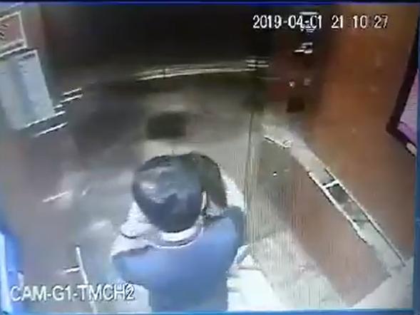 Người đàn ông sàm sỡ bé gái trong thang máy chung cư là nguyên Phó Viện trưởng VKS TP.Đà Nẵng - Ảnh 2.