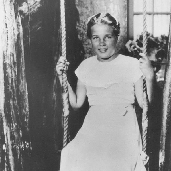 Chuyện buồn của Lolita đời thực: Bé gái bị yêu râu xanh giam cầm suốt 2 năm, khi được tự do thì bị truyền thông tấn công và qua đời ở tuổi 15 - Ảnh 2.