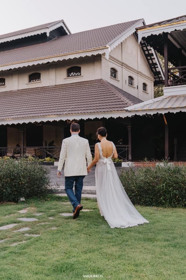 Không còn giấu giếm, chồng cũ Hồng Nhung công khai đã kết hôn và chùm ảnh trong đám cưới lãng mạn cùng vợ mới người Myanmar - Ảnh 6.