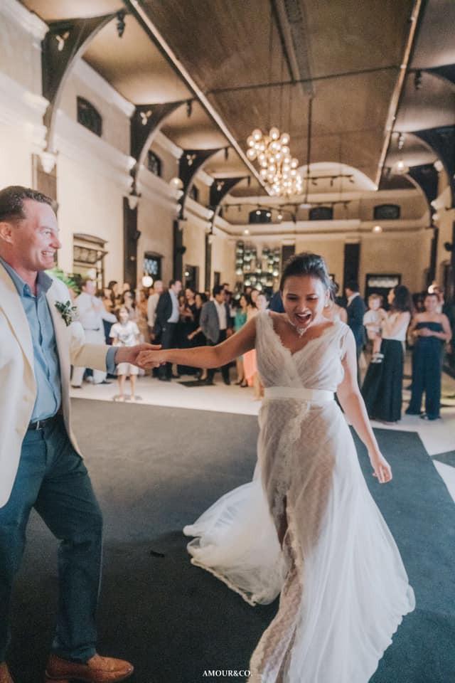 Toàn cảnh đám cưới xa xỉ từng centimet của chồng cũ Hồng Nhung với vợ quý tộc Myanmar, chú rể hạnh phúc như cưới lần đầu - Ảnh 15.