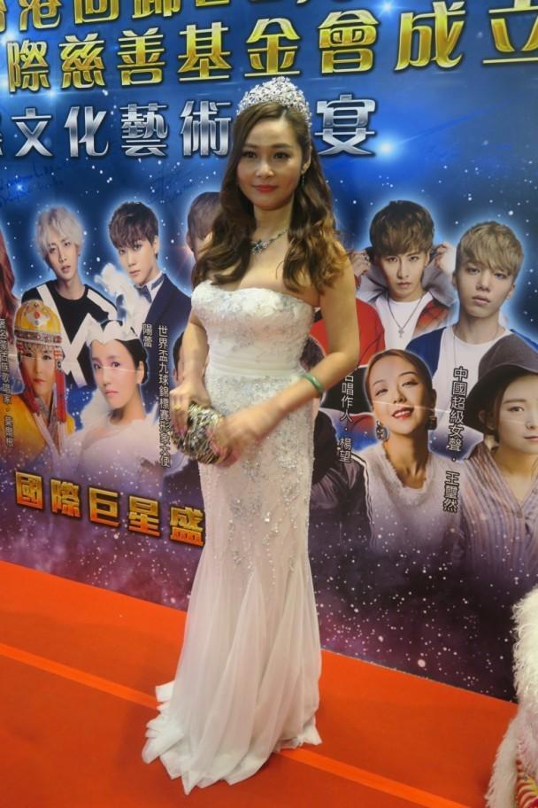 Mỹ nhân phim 18+ Hong Kong: Giải nghệ thành công chúa Philippines, lấy chồng tỷ phú - Ảnh 6.