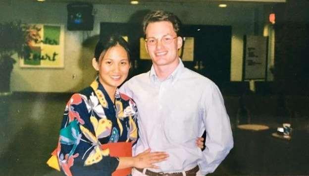 """Hóa ra chính Hồng Nhung mới là người tới sau, chồng cũ của cô và vợ mới đã từng là """"mối tình đầu"""" của nhau - Ảnh 1."""
