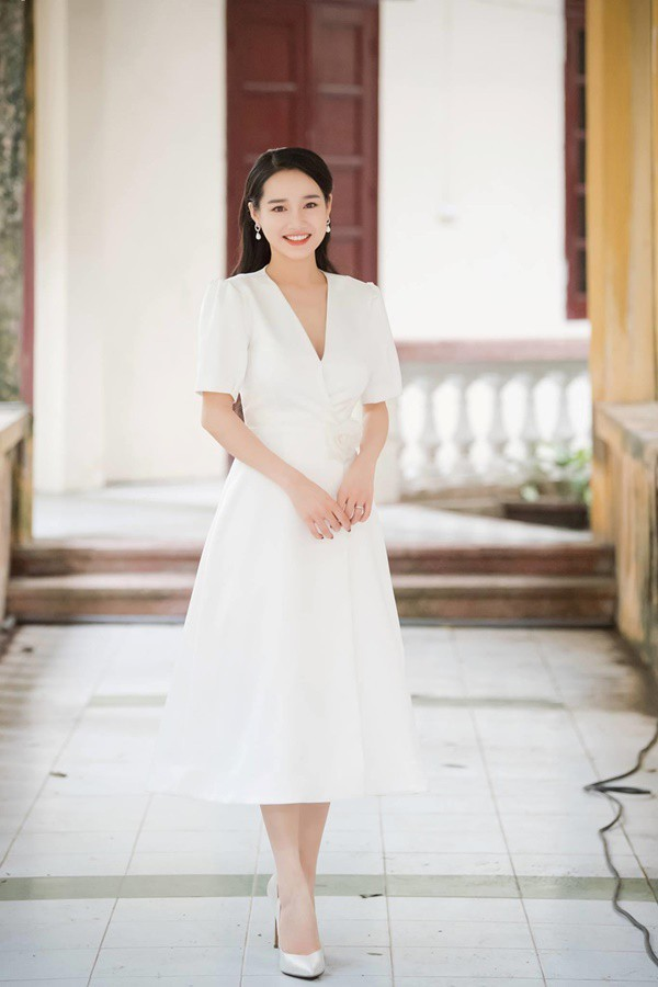"""Không còn makeup lỗi, Nhã Phương xinh đẹp """"vạn người mê"""" trong lần xuất hiện mới nhất - Ảnh 4."""