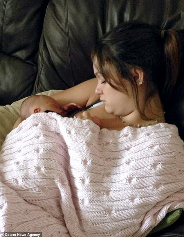 Cứ mỗi lần cho con bú là thấy kinh sợ, mặc cảm tội lỗi, khi biết được lý do thực sự đằng sau người mẹ trẻ càng thêm sợ hãi - Ảnh 4.