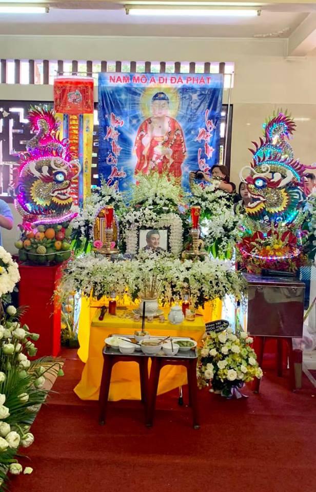 Trịnh Kim Chi khóc ngất khi tới viếng nghệ sĩ Anh Vũ, nghẹn ngào nói lời tiễn biệt người bạn thân thiết  - Ảnh 3.