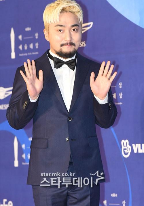 Dàn sao hạng A quyền lực K-biz đổ bộ thảm đỏ Baeksang 2019: Chị đại Kim Hye Soo vẫn là nhất - Ảnh 22.