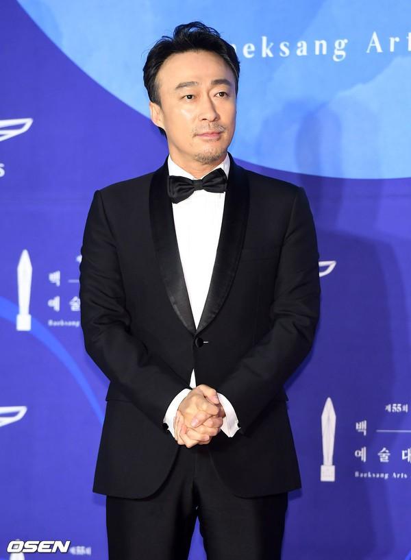 Dàn sao hạng A quyền lực K-biz đổ bộ thảm đỏ Baeksang 2019: Chị đại Kim Hye Soo vẫn là nhất - Ảnh 20.