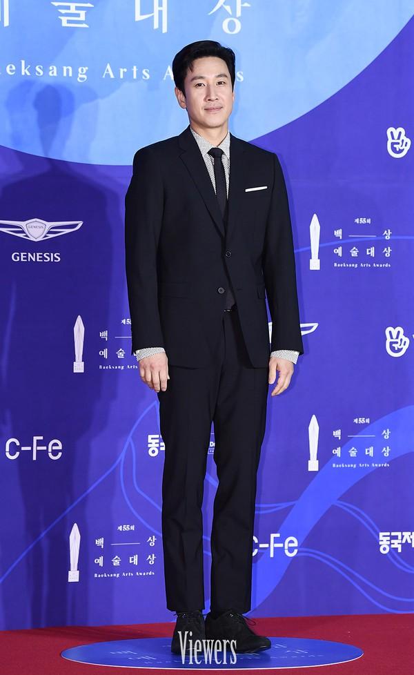 Dàn sao hạng A quyền lực K-biz đổ bộ thảm đỏ Baeksang 2019: Chị đại Kim Hye Soo vẫn là nhất - Ảnh 23.