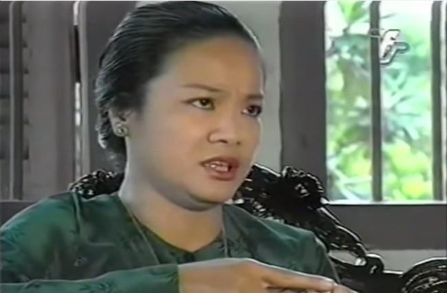 Nghệ sĩ Tú Trinh - Người mẹ trong ký ức tuổi thơ: Khi trẻ khiến ai cũng khiếp sợ, về già lấy nước mắt triệu người vì quá đáng thương - Ảnh 3.