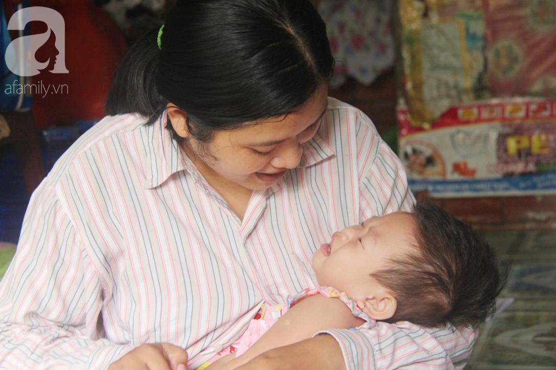 Bé gái 1 tuổi co giật liên tục đến mức méo miệng, người mẹ trẻ khóc cạn nước mắt cầu xin một cơ hội sống cho con - Ảnh 6.