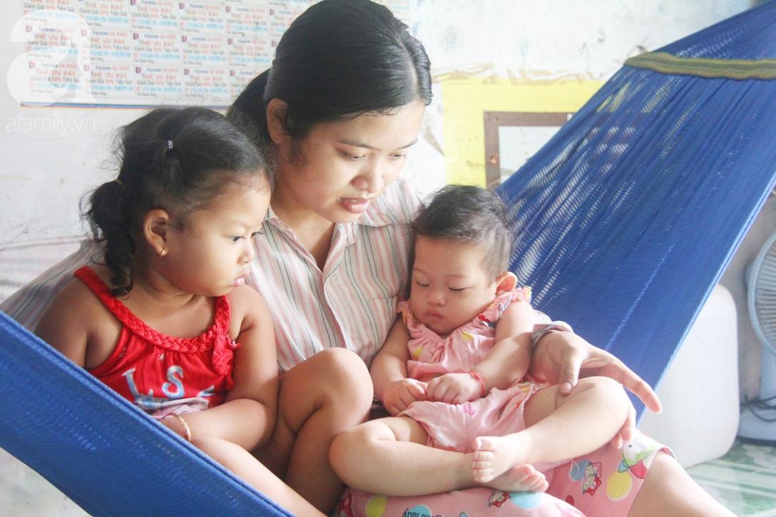 Bé gái 1 tuổi co giật liên tục đến mức méo miệng, người mẹ trẻ khóc cạn nước mắt cầu xin một cơ hội sống cho con - Ảnh 3.