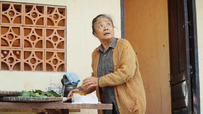 Nghệ sĩ Tú Trinh - Người mẹ trong ký ức tuổi thơ: Khi trẻ khiến ai cũng khiếp sợ, về già lấy nước mắt triệu người vì quá đáng thương - Ảnh 9.