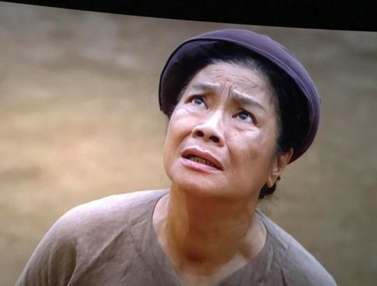 Nghệ sĩ Tú Trinh - Người mẹ trong ký ức tuổi thơ: Khi trẻ khiến ai cũng khiếp sợ, về già lấy nước mắt triệu người vì quá đáng thương - Ảnh 5.
