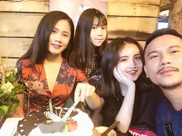 Nhan sắc phổng phao, ngọt ngào như hot girl của con gái Tú Dưa và nữ hoàng wushu Thúy Hiền - Ảnh 1.