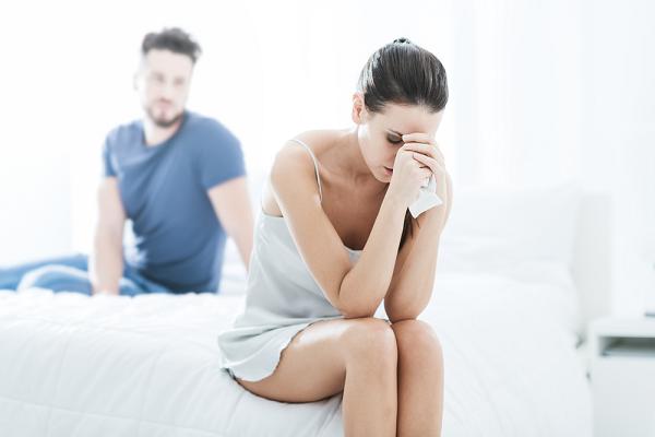 Vô tình làm vỡ bình cổ của bố chồng, tôi kinh ngạc phát hiện ra bí mật về thân phận thật sự của chồng mình - Ảnh 2.