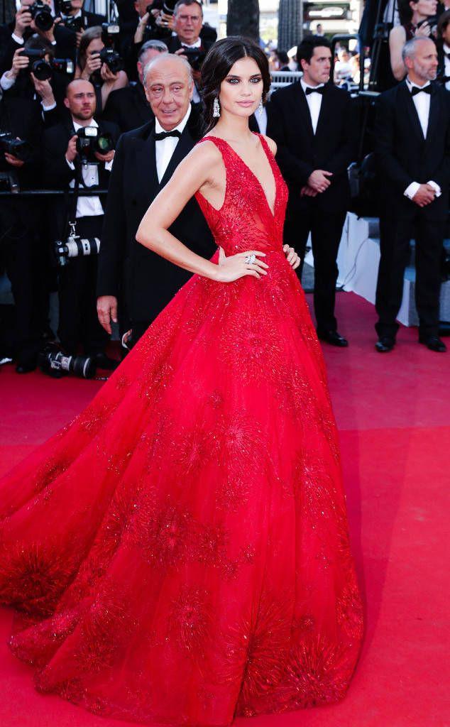 Những bộ đầm đỏ đẹp nhất qua các mùa Cannes: Phạm Băng Băng xưng danh nữ hoàng thảm đỏ nhưng vẫn thua hẳn Lý Nhã Kỳ  - Ảnh 11.