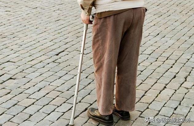 3 dấu hiệu bất thường ở tay chân: 80% khả năng bạn bị tắc mạch máu, nên xử lý ngay - Ảnh 5.