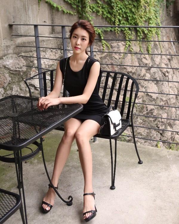 Bạn gái kém 17 tuổi của So Ji Sub hóa ra lại cực kỳ nổi tiếng tại Hàn Quốc và thậm chí được tôn là nữ thần  - Ảnh 11.