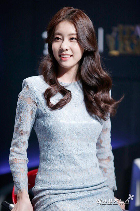 Bạn gái kém 17 tuổi của So Ji Sub hóa ra lại cực kỳ nổi tiếng tại Hàn Quốc và thậm chí được tôn là nữ thần  - Ảnh 15.