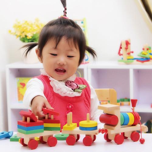 Giáo viên Montessori gợi ý số lượng đồ chơi mà 1 đứa trẻ thực sự cần, mẹ tránh mua quá nhiều gây lãng phí - Ảnh 2.