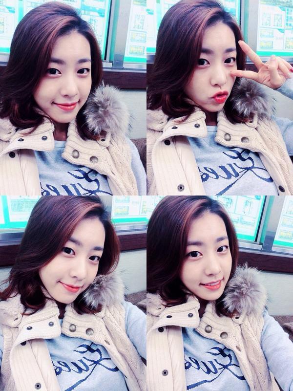 Bạn gái kém 17 tuổi của So Ji Sub hóa ra lại cực kỳ nổi tiếng tại Hàn Quốc và thậm chí được tôn là nữ thần  - Ảnh 2.