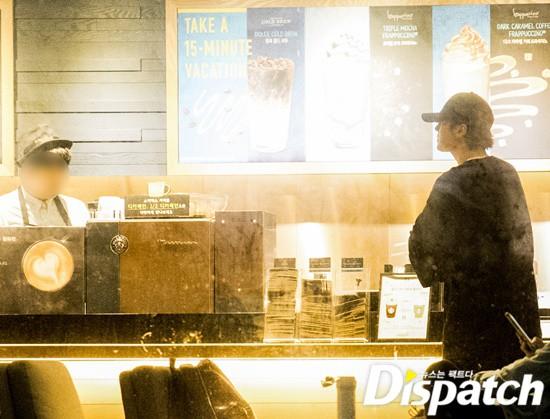 Cận ảnh hình ảnh hẹn hò của So Ji Sub và bạn gái phóng viên: Nam thanh nữ tú bên nhau, không khác gì một bộ phim lãng mạn - Ảnh 3.